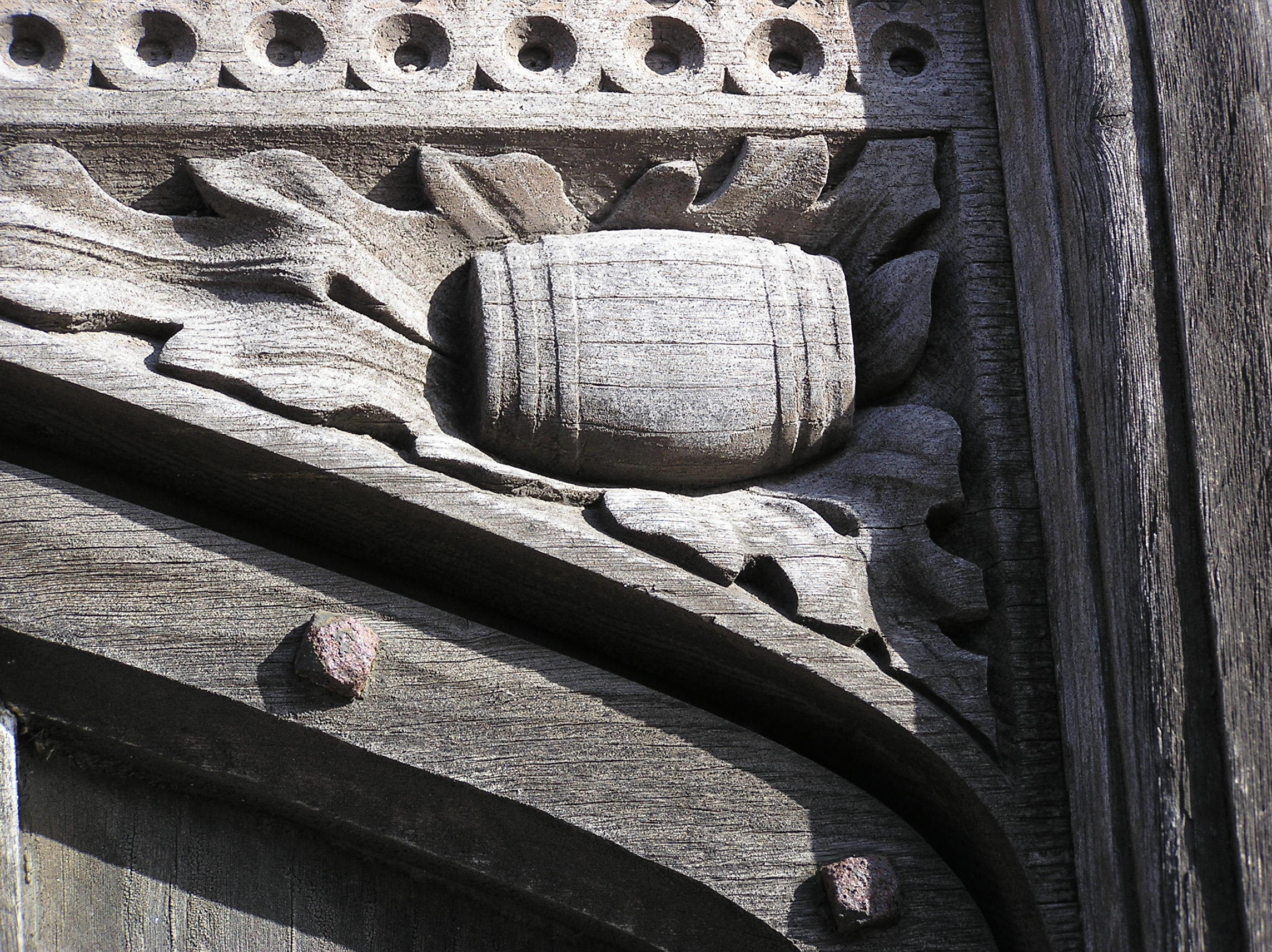 Tun on Manor House door