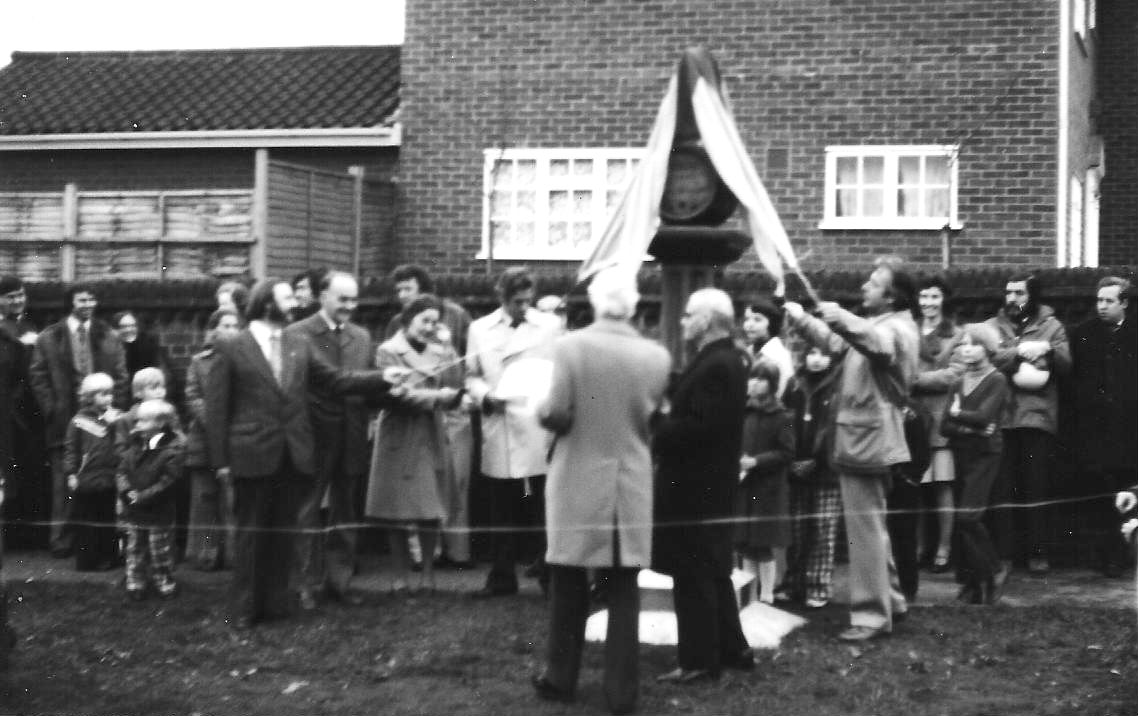 Renovated sign unveiled - 1976